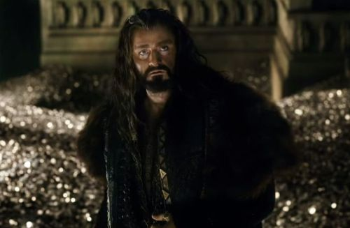 The-Hobbit-The-Battle-of-the-Five-Armies-Thorin-Oakenshield-850x560